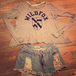 WildFox Varsity Logo Long Sleeve Tee Top Size S